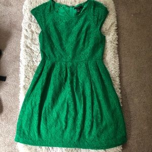 Forever 21 size M green lace cap sleeve dress
